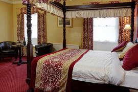 shap-wells-hotel-bedrooms-09-83854