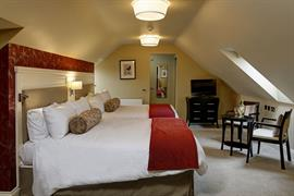 shrubbery-hotel-bedrooms-17-83752