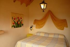 70253_004_Guestroom