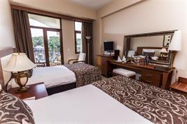 78028_002_Guestroom