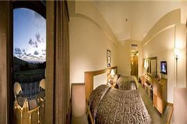 78028_004_Guestroom