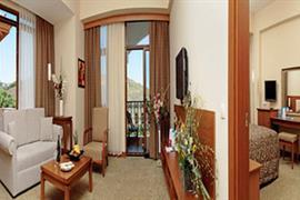 78028_005_Guestroom