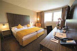89146_006_Guestroom
