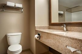 34155_005_Guestroom