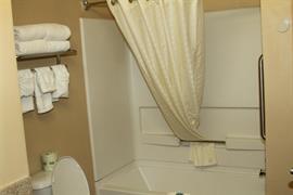 34155_006_Guestroom