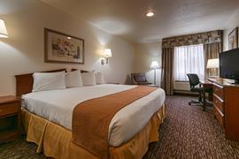 32105_006_Guestroom