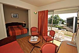 93475_004_Guestroom