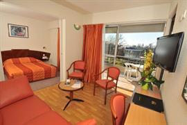 93475_006_Guestroom