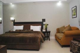 75408_002_Guestroom