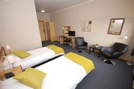 73107_002_Guestroom