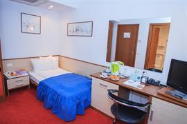77586_006_Guestroom