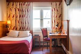 88063_006_Guestroom