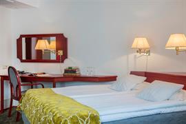 88063_007_Guestroom