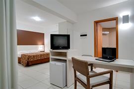 77068_006_Guestroom