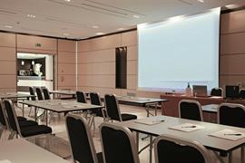 98352_006_Meetingroom