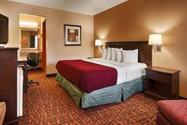 44413_006_Guestroom