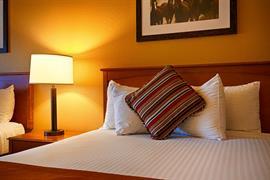 38066_007_Guestroom