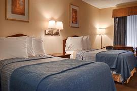 10214_005_Guestroom