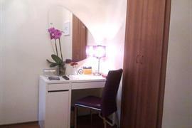 78022_004_Guestroom