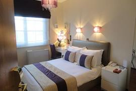 78022_007_Guestroom