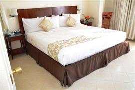 70162_004_Guestroom