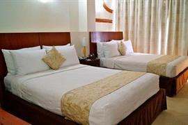70162_005_Guestroom