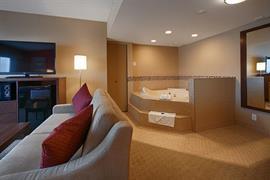 62101_005_Guestroom