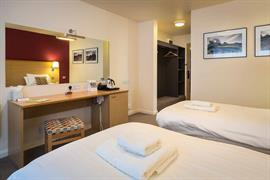 dartmouth-hotel-golf-and-spa-bedrooms-20-83978