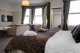 the-hatfield-hotel-bedrooms-03-84206