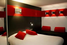 93758_002_Guestroom