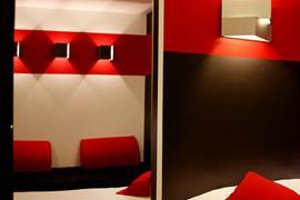 93758_003_Guestroom
