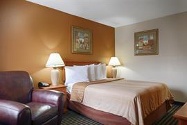 26153_006_Guestroom