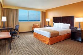 12008_004_Guestroom