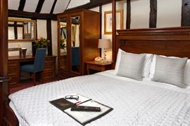 the-rose-and-crown-hotel-bedrooms-10-83744