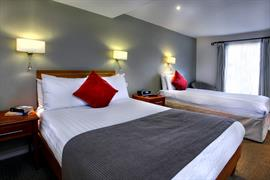 the-rose-and-crown-hotel-bedrooms-12-83744