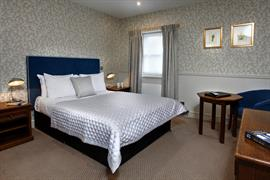 the-rose-and-crown-hotel-bedrooms-15-83744