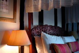 the-rose-&-crown-hotel-bedrooms-03-83744