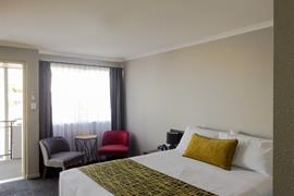 97330_005_Guestroom