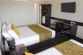 97330_006_Guestroom