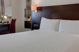 the-stuart-hotel-bedrooms-17-83971