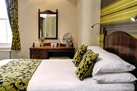 the-vine-hotel-bedrooms-08-83819
