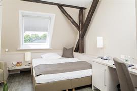 95294_002_Guestroom