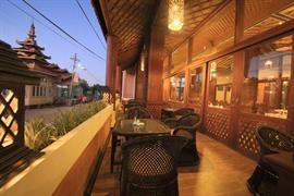 99705_006_Restaurant