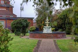 thurrock-hotel-grounds-and-hotel-02-84245