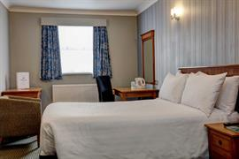 thurrock-hotel-bedrooms-01-84245