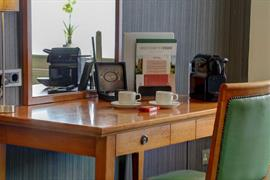 thurrock-hotel-bedrooms-05-84245