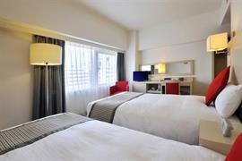 78529_004_Guestroom