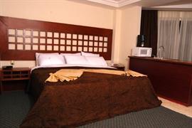 70186_007_Guestroom