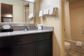 43047_007_Guestroom