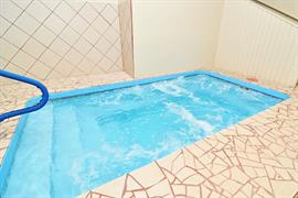 17115_004_Pool
